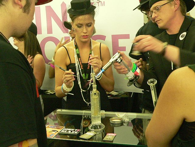 Dabs at The Cannabis Cup Denver 2012