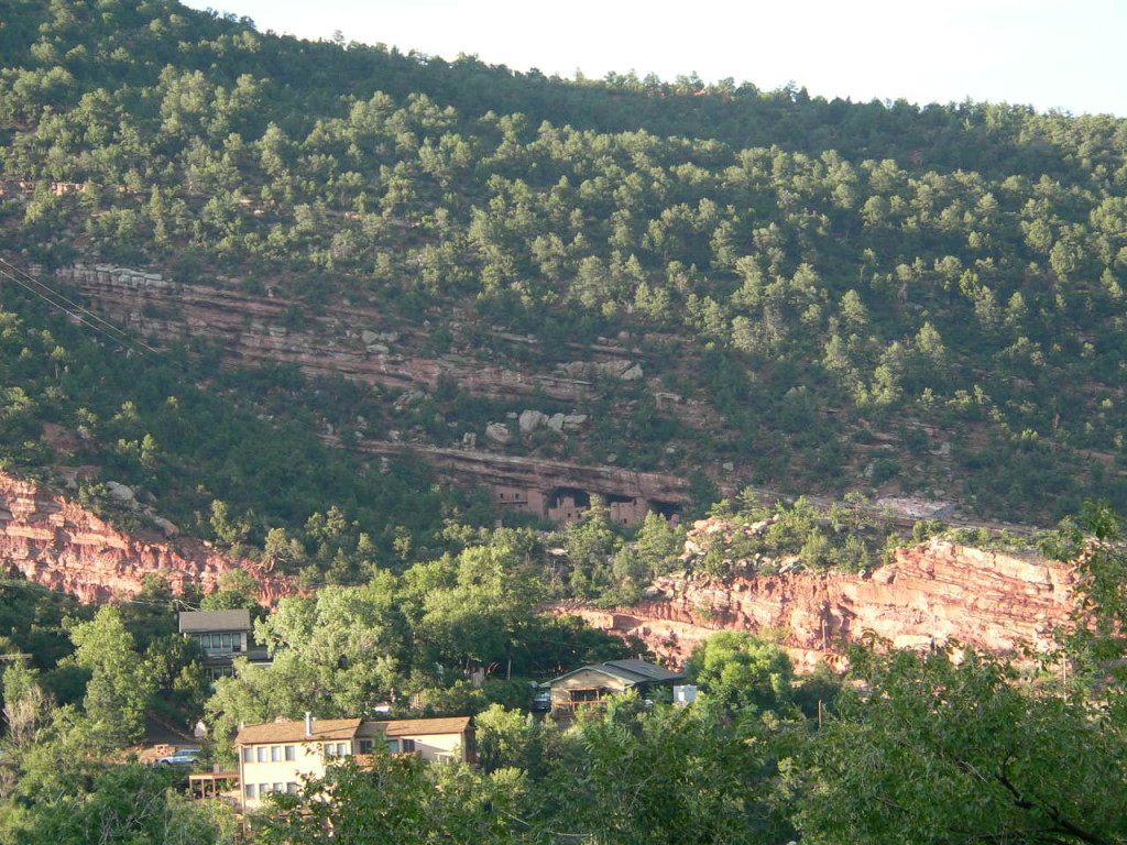 anasazi cliff dwelling in manitou springs, co